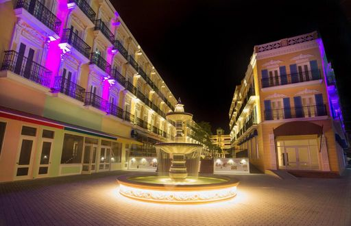 The Riviera Suites Hotel 里维埃拉套房酒店